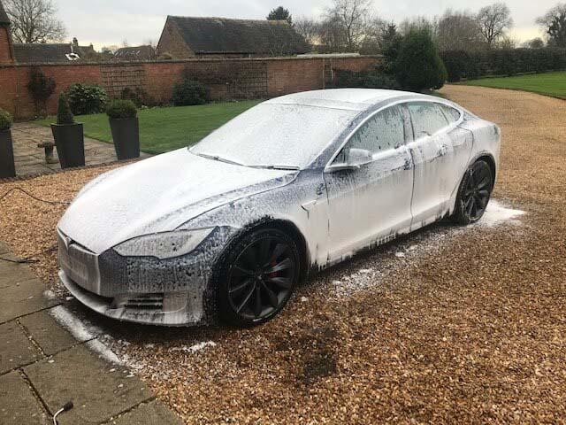 Clean Tesla wheels